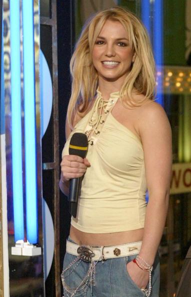 Crop Top「Britney Spears Live on MTV TRL」:写真・画像(12)[壁紙.com]