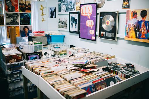 Pop Music「Vinyl records for sale, a record shop, Pop music posters」:スマホ壁紙(9)