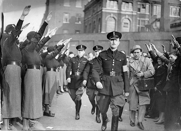 Oswald Mosley at a fascist rally in East London, Photograph, England, October 4th 1936:ニュース(壁紙.com)