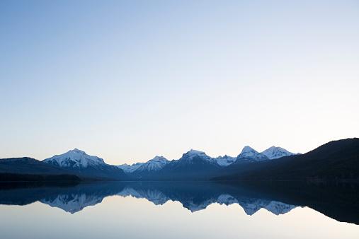 McDonald Lake「A calm morning before sunrise on Lake McDonald in Glacier National Park.」:スマホ壁紙(2)