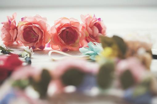 Girly「花の冠」:スマホ壁紙(13)