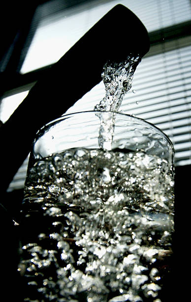 Debate Rages Over Fluoride In Tap Water:ニュース(壁紙.com)