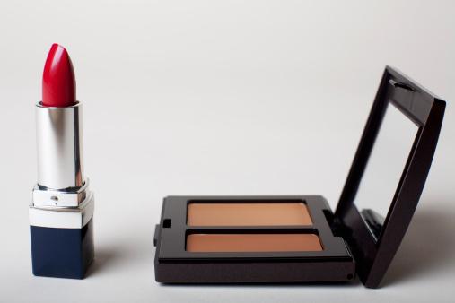 Girly「Make-up kit with red lipstick」:スマホ壁紙(10)