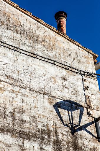 Camino De Santiago「Chimney on a roof, Azofra, La Rioja, Spain」:スマホ壁紙(19)