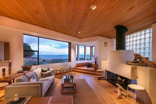 Pacific Ocean「Modern Rustic Coastal Home」:スマホ壁紙(0)