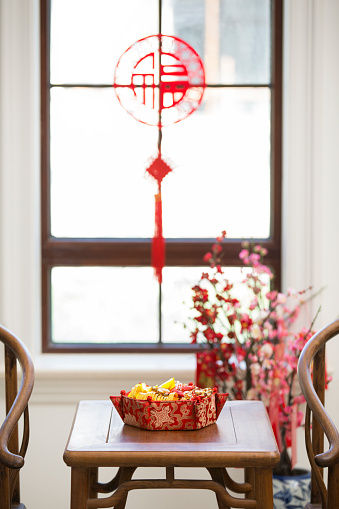 梅の花「Classical villa with Chinese new year decoration」:スマホ壁紙(5)