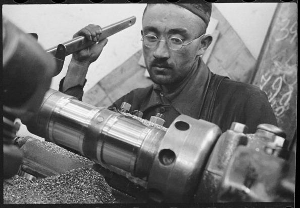Max Penson「At A Machine Tool」:写真・画像(5)[壁紙.com]