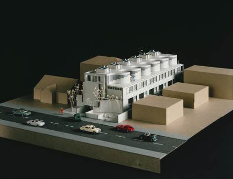 Figurine「Model buildings with street and cars」:スマホ壁紙(19)