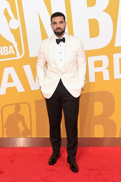 蝶ネクタイ「2017 NBA Awards Live On TNT - Arrivals」:写真・画像(13)[壁紙.com]