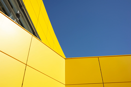 Saturated Color「Modern Yellow Architecture Against Blue Sky」:スマホ壁紙(14)