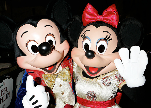 Mickey Mouse「2005 Hollywood Christmas Parade」:写真・画像(8)[壁紙.com]