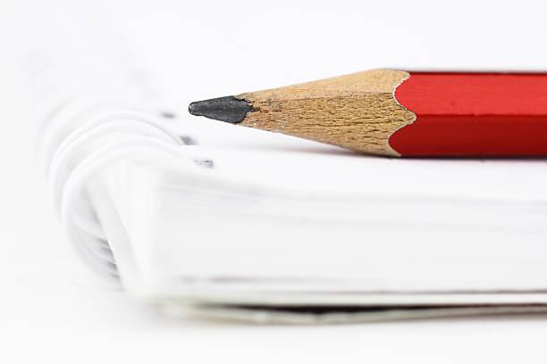Red Pencil:スマホ壁紙(壁紙.com)