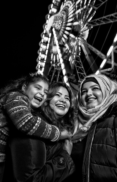 Amusement Park Ride「Refugees In Berlin」:写真・画像(3)[壁紙.com]