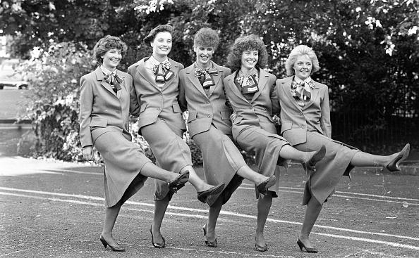 Crew「Aer Lingus cabin crew in the Shelbourne Hotel 1988」:写真・画像(11)[壁紙.com]