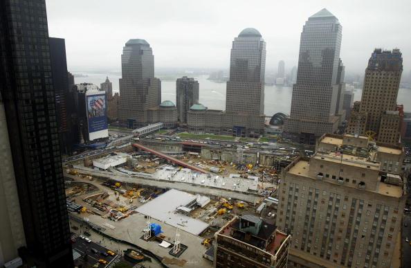 Mario Tama「Families Of 9/11 Victims Protest WTC Rebuiliding Plans」:写真・画像(17)[壁紙.com]