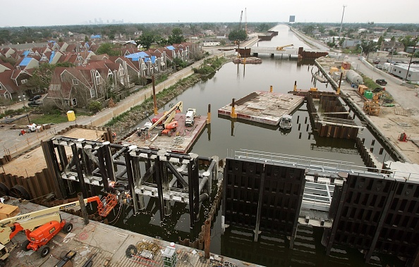 Levee「Work Continues On New Orleans' Levee System」:写真・画像(17)[壁紙.com]