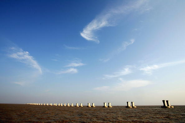 Sky「Hangzhou Bay Bridge Is The Longest Bridge In The World」:写真・画像(0)[壁紙.com]