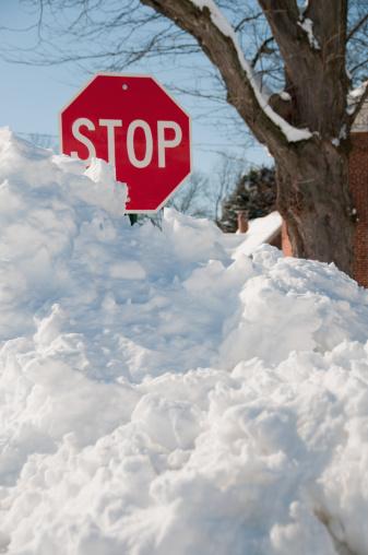 Snowdrift「Stop sign in deep snow.」:スマホ壁紙(10)