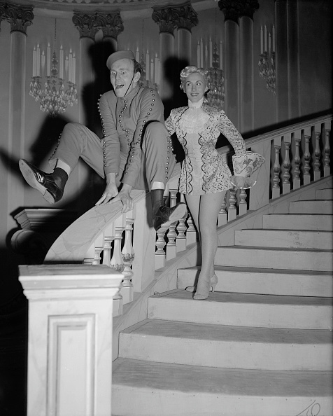 Bellhop「David Nixon In Cinderella」:写真・画像(7)[壁紙.com]