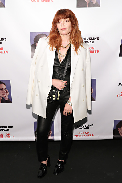 """Gold Chain Necklace「""""Jacqueline Novak: Get On Your Knees"""" Opening Night」:写真・画像(8)[壁紙.com]"""