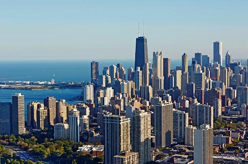 Urban Skyline「Aerial cityscape of Chicago and Lake Michigan」:スマホ壁紙(7)
