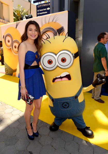 """Clipping Path「Premiere Of Universal Pictures' """"Despicable Me 2"""" - Red Carpet」:写真・画像(8)[壁紙.com]"""