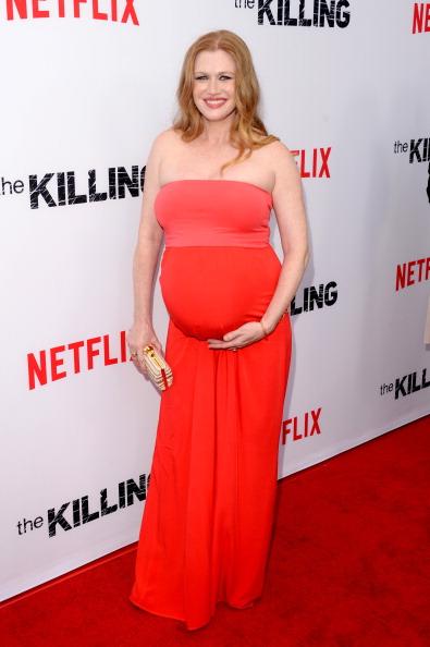 "Strapless Dress「Premiere Of Netflix's ""The Killing"" Season 4 - Arrivals」:写真・画像(14)[壁紙.com]"