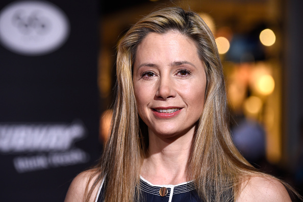 "Mira Sorvino「Premiere Of Disney's ""Big Hero 6"" - Arrivals」:写真・画像(13)[壁紙.com]"