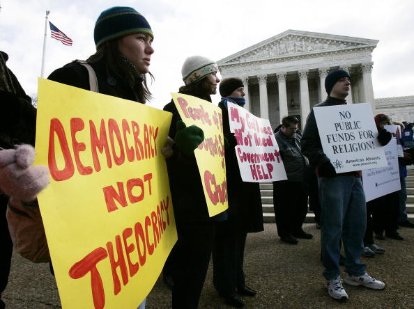 Dividing「Activists Rally At The Supreme Court To Support Separation of Church and State」:写真・画像(10)[壁紙.com]