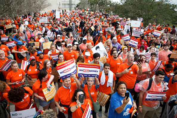 Florida State Capitol「Activists Rally At Florida State Capitol For Gun Law Reform Legislation」:写真・画像(18)[壁紙.com]