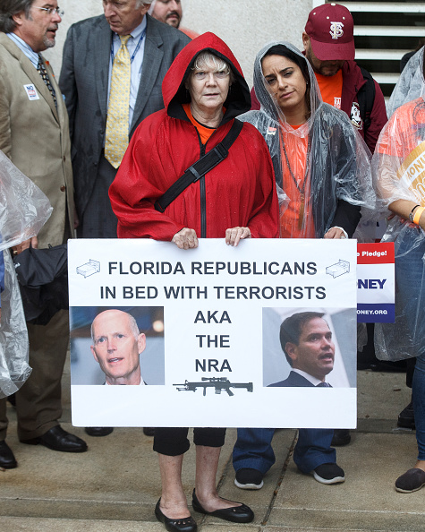 Florida State Capitol「Activists Rally At Florida State Capitol For Gun Law Reform Legislation」:写真・画像(12)[壁紙.com]