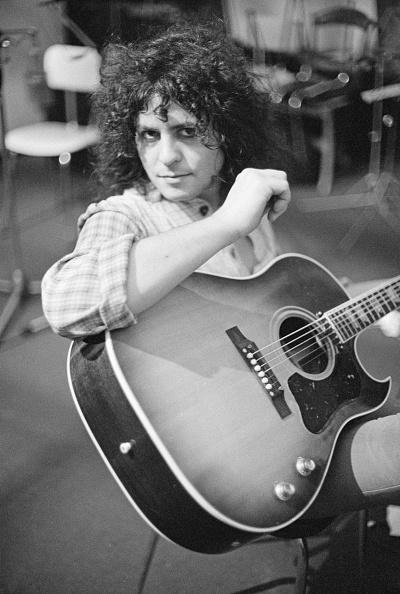 Acoustic Guitar「Tanx Sessions」:写真・画像(13)[壁紙.com]