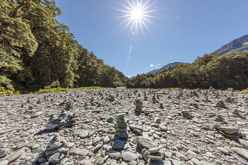 Mt Aspiring「The Blue Pools riverbank, wide angle view with man made stone piles」:スマホ壁紙(11)