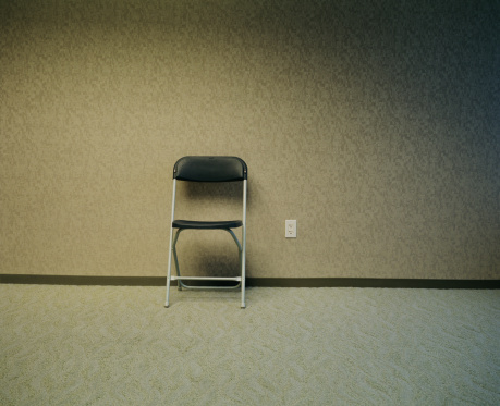 Folding Chair「Folding chair in empty room」:スマホ壁紙(1)
