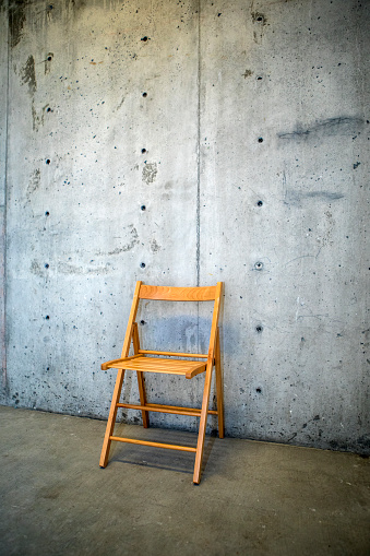 Folding Chair「Folding chair by concrete wall」:スマホ壁紙(8)