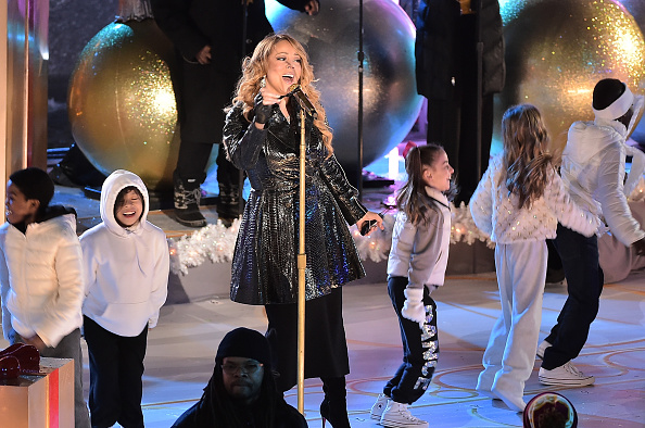 Christmas「82nd Annual Rockefeller Christmas Tree Lighting Ceremony」:写真・画像(8)[壁紙.com]