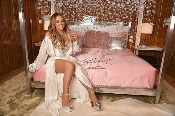 カメラ目線「M.A.C Cosmetics Mariah Carey Beauty Icon Launch In NYC」:写真・画像(11)[壁紙.com]