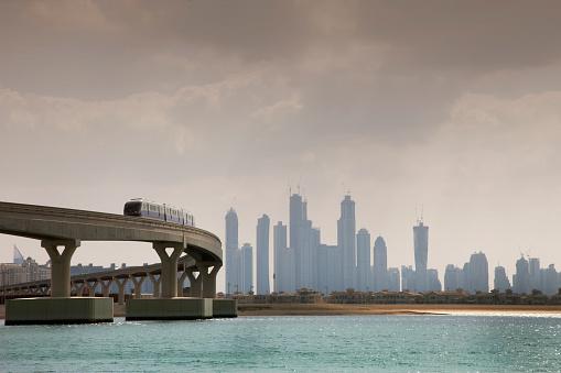 Monorail「Monorail to Atlantis Hotel on Palm Jumeirah Island」:スマホ壁紙(18)