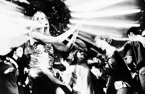 Young Men「Disco Dancers」:写真・画像(5)[壁紙.com]