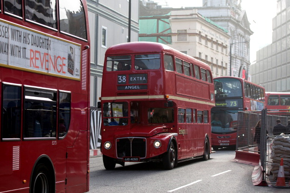 Double-Decker Bus「London Underground 48-hour Tube Strike Affects Rush Hour」:写真・画像(0)[壁紙.com]