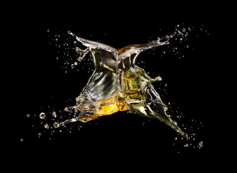 Spraying「water splash」:スマホ壁紙(10)