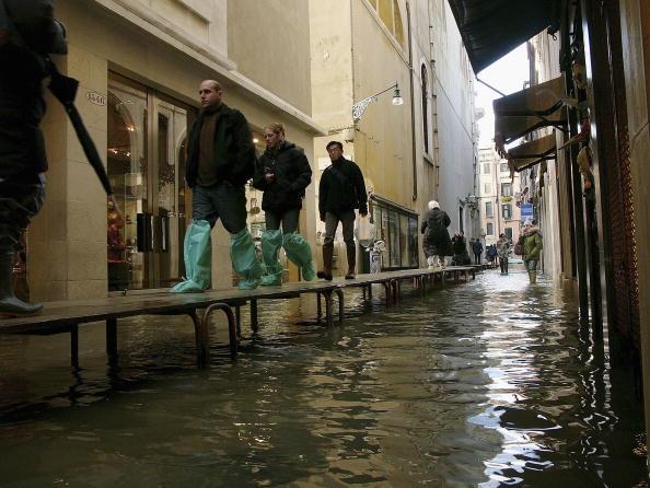 Problems「City Of Venice Hit By Autumn Flooding」:写真・画像(11)[壁紙.com]