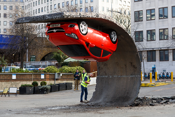 Amusement Park Ride「Alex Chinneck For Vauxhall Motors: Pick Yourself Up And Pull Yourself Together」:写真・画像(17)[壁紙.com]