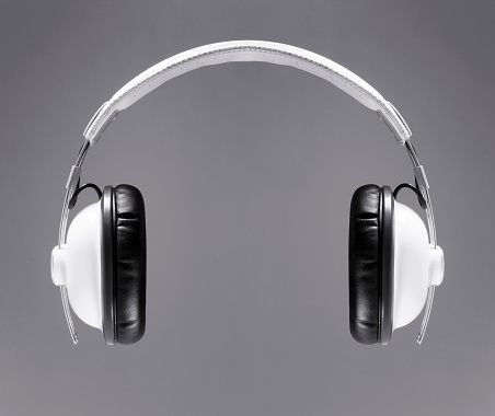 Black Color「The white headphones」:スマホ壁紙(11)