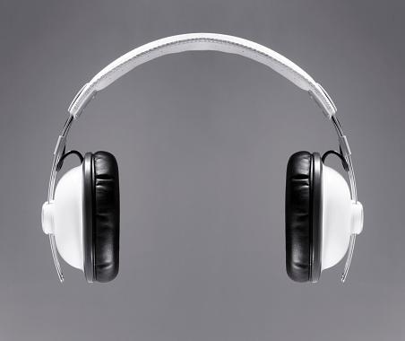 Front View「The white headphones」:スマホ壁紙(14)