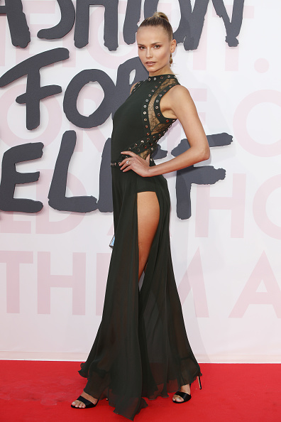 Thigh High Slit「Red Carpet Arrivals - Fashion For Relief Cannes 2018」:写真・画像(2)[壁紙.com]