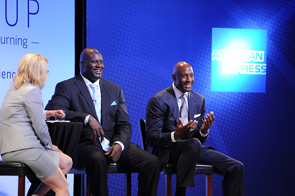 アロンゾ モーニング「American Express Teamed Up With Shaquille O'Neal And Alonzo Mourning」:写真・画像(2)[壁紙.com]