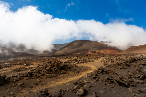 Haleakala National Park「Raw volcanic landscape below clouds」:スマホ壁紙(9)