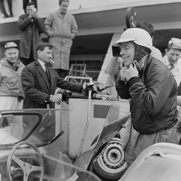 Adjusting「Rover-BRM Testing At Le Mans」:写真・画像(12)[壁紙.com]