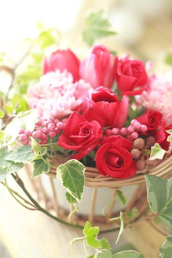 カーネーション「Rose and tulip flower arrangement」:スマホ壁紙(11)